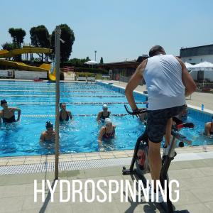 Hydrospinning